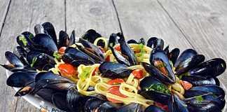 Paste cu midii-cozze, paste alla marinara, reteta clasica italiana
