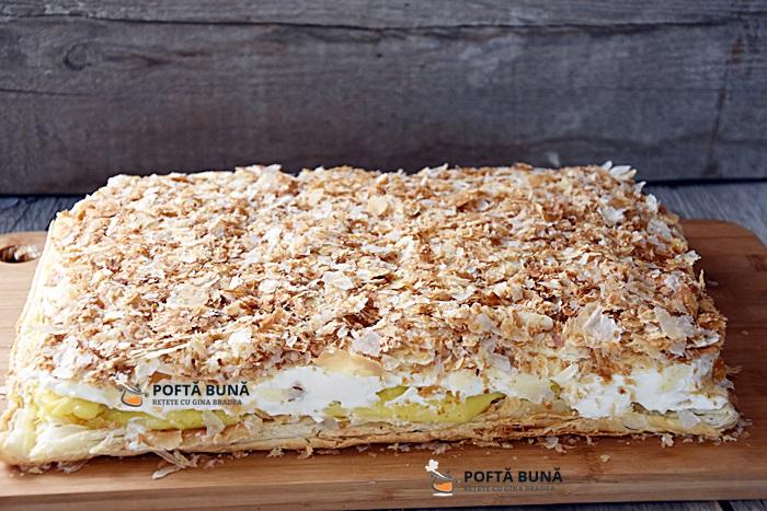 Cremes cremsnit prajitura cu foietaj frisca si crema de vanilie - Cremes, cremsnit, crempita, prajitura cu foietaj, frisca si crema de vanilie