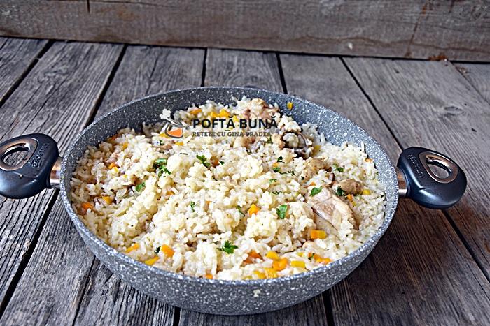 Pilaf cu carne de pui reteta clasica - Pilaf de orez cu carne de pui si legume, reteta clasica
