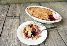 Crumble, prajitura cu prune si piersici, reteta simpla si rapida