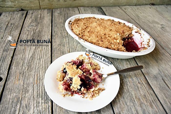 Crumble cu prune si piersici reteta simpla rapida - Crumble cu prune si piersici, reteta simpla si rapida