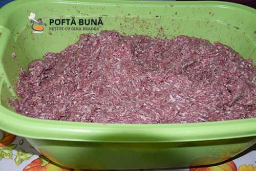 Carnati de casa cu busuioc, reteta traditionala italiana