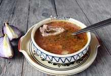 Ciorba moldoveneasca de porc