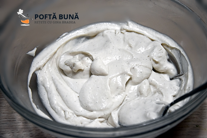 Prajitura de post cu nuca si frisca de cocos 2 - Cum se face frisca naturala vegetala, din crema de cocos