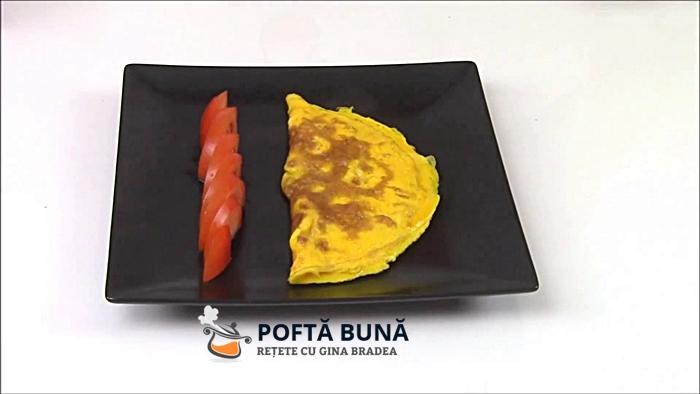 cum se face omleta pufoasa simpla - Cum se face o omleta simpla si pufoasa, reteta si secrete