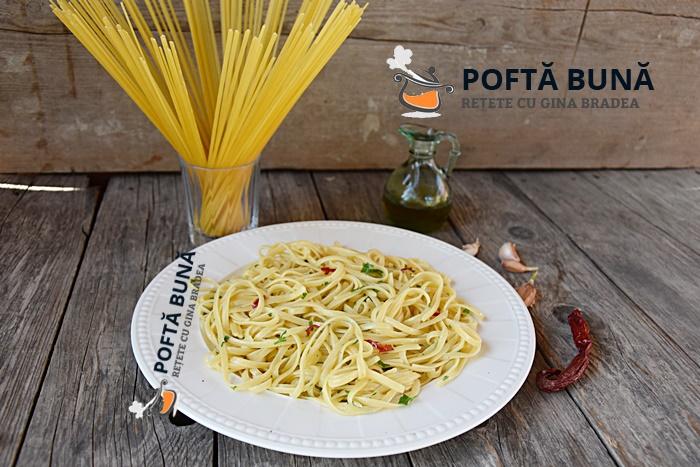 Paste aglio olio peperoncino%C4%83reteta italiana 2 - Paste aglio, olio, peperoncino (reteta traditionala italiana)