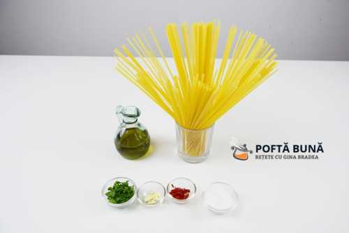 Paste aglio, olio, peperoncino (reteta traditionala italiana)