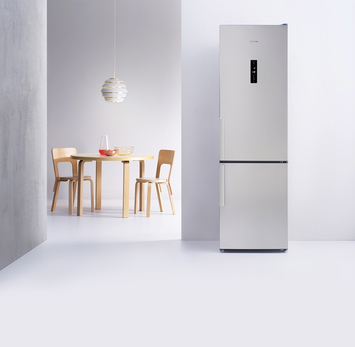 Ce ma sfatuiti, sa-mi iau o combina frigorifica Fresh No Frost de la Whirlpool?