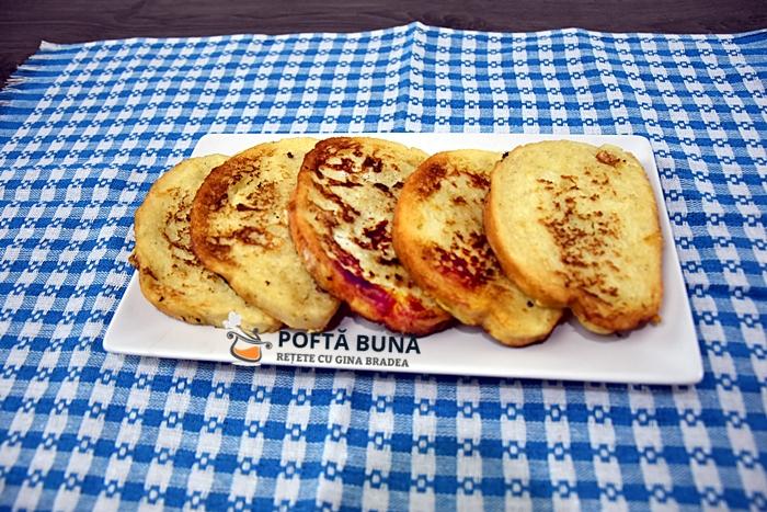 Friganele paine prajita cu ou si lapte reteta 1 - Friganele sau paine prajita cu ou, reteta copilariei