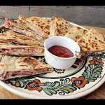 Lipii umplute cu mozzarella, afumatura si rosii