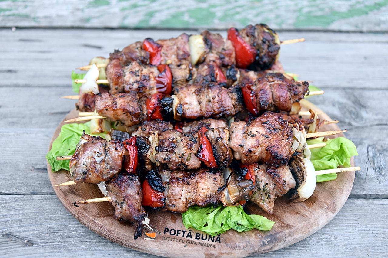 Cum se fac cele mai fragede frigarui din carne de porc?