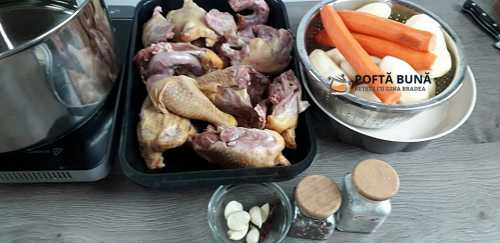Rasol din carne de pasare gaina reteta simpla traditionala 5 500x243 - Rasol din carne de pasare cu mamaliga si mujdei, reteta traditionala