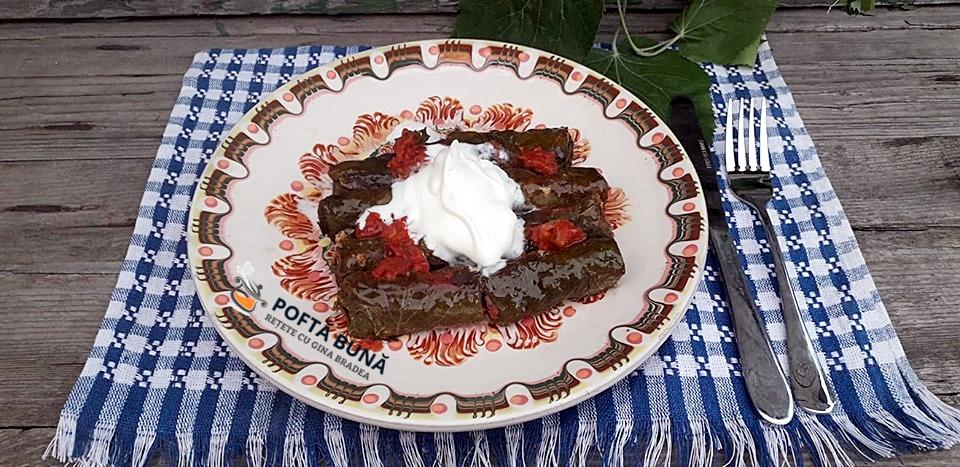 Sarmale dietetice din piept de pui cu frunza de tei acrite cu corcoduse 2 - Sarmale dietetice din piept de pui in frunza de tei, acrite cu corcoduse