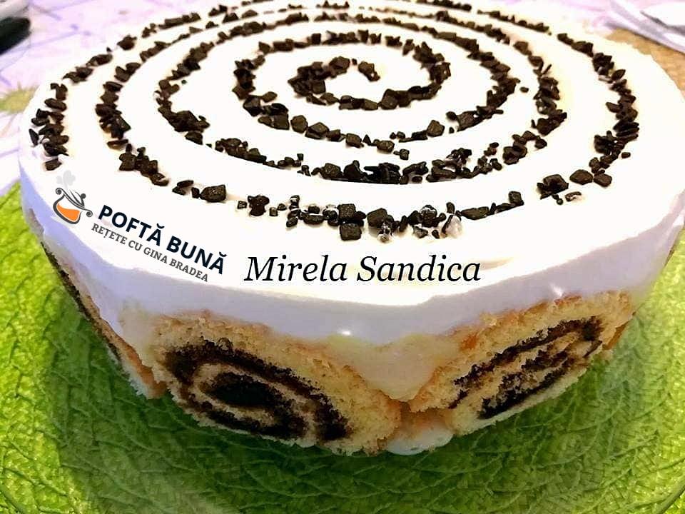 Tort din rulada cu gem si banane banana roll cake 1 - Tort din rulada cu gem si banane, sau Banana roll cake