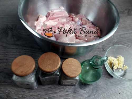 Ingrediente pentru reteta de pulpe dezosate la gratar