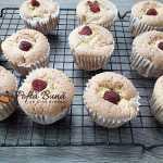 Briose pufoase cu fructe zmeura caise piersici 6 150x150 - Briose pufoase (muffins) cu fructe: zmeura, piersici, caise