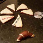 Cornuri bicolore insiropate pufoase reteta de cornuri in 2 culori10 150x150 - Cornuri bicolore insiropate, pufoase, reteta de cornuri in 2 culori