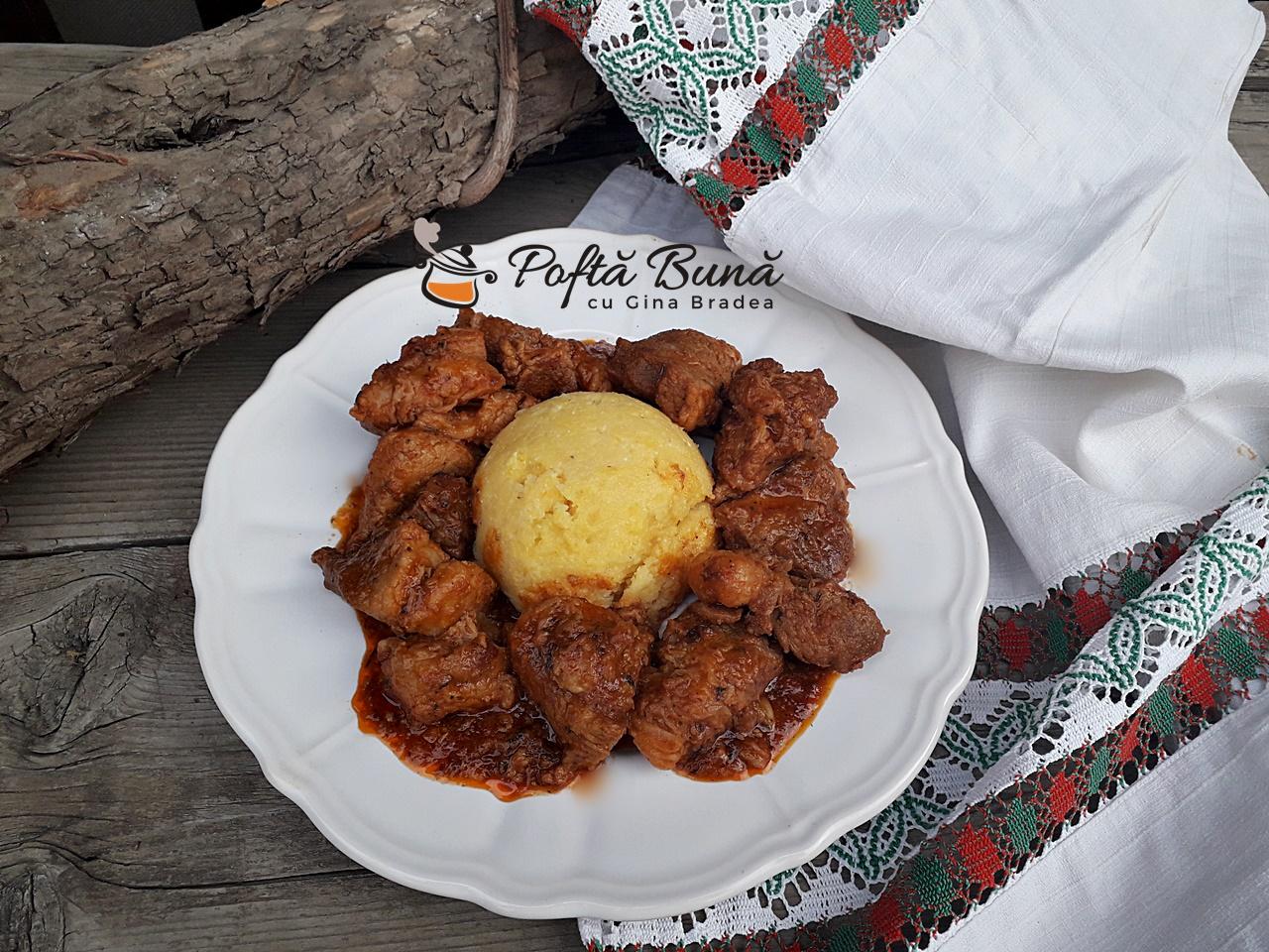 Tochitura dobrogeana bucovineana sau tochitura de porc cu ceapa 1 - Tochitura dobrogeana, bucovineana sau tochitura de porc cu ceapa