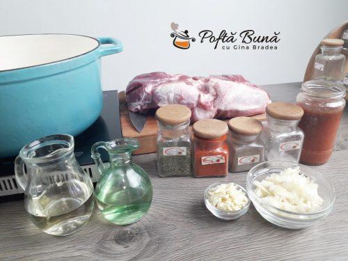 Tochitura dobrogeana bucovineana sau tochitura de porc cu ceapa 2 500x375 - Tochitura dobrogeana, bucovineana sau tochitura de porc cu ceapa