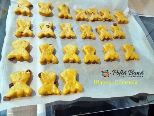 biscuiti fragezi cu dovleac reteta simpla2 500x375 - Biscuiti fragezi cu dovleac si zahar brun