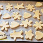 biscuiti fragezi cu unt branza si seminte de susan 3 150x150 - Biscuiti fragezi cu unt, branza si seminte de susan