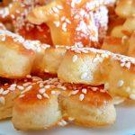 biscuiti fragezi cu unt branza si seminte de susan 5 150x150 - Biscuiti fragezi cu unt, branza si seminte de susan