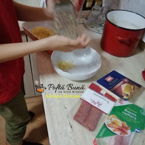 cartofi frantuzesti reteta gustoasa pas cu pas 500x500 - Cartofi frantuzesti la cuptor, cu oua fierte, smantana si afumatura