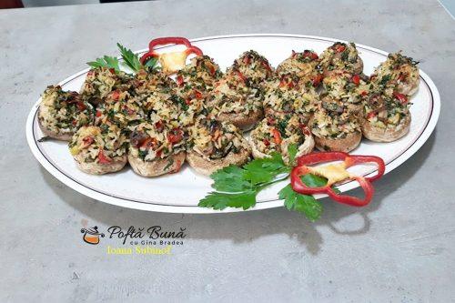 ciuperci05 500x333 - Ciuperci umplute cu orez, ceapa si ardei, reteta de post