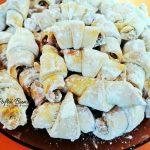 cornulete fragede cu nuca sau crema de ciocolata 10 150x150 - Cornulete fragede cu nuca sau crema de ciocolata