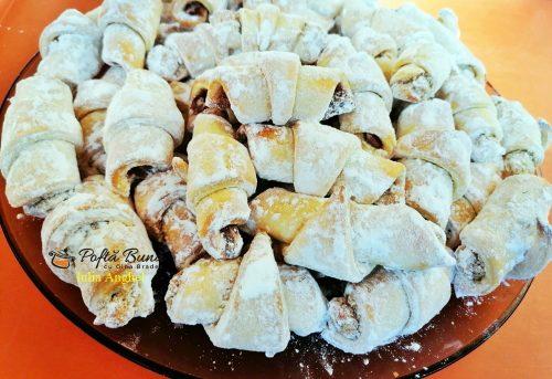 cornulete fragede cu nuca sau crema de ciocolata 10 500x343 - Cornulete fragede cu nuca sau crema de ciocolata