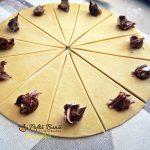 Cornulete fragede cu nuca sau crema de ciocolata