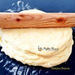 cornuri pufoase cu unt reteta simpla 4 150x150 - Cornuri pufoase din aluat dospit cu unt si iaurt, umplute cu gem