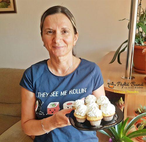 cupcakes cu ciocolata alba si nuca de cocos 3 500x486 - Cupcakes cu ciocolata alba si nuca de cocos