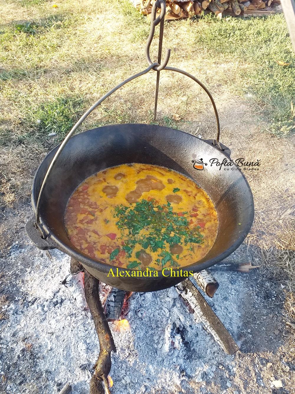 Gulas de porc la ceaun sau reteta de bograci