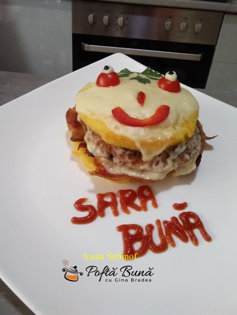 Hamburger romanesc cu afumatura si carnati de casa