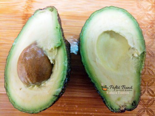 huevos ahogados reteta oua in sos de rosii cu avocado 5 500x375 - Huevos ahogados sau oua in sos de rosii cu avocado