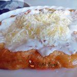 langos cu cartofi reteta ungureasca1 150x150 - Langos unguresc cu cartofi, mujdei si smantana