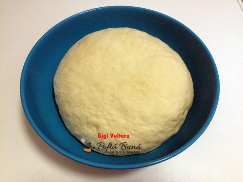 paine de casa 500x375 - Paine de casa pufoasa, reteta simpla pas cu pas
