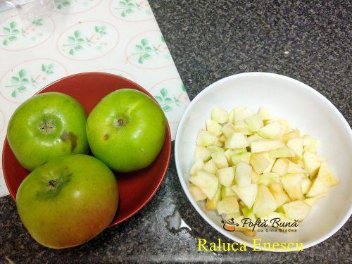 prajitura crumble cu fructe si crema de vanilie reteta pas cu pas 500x375 - Prajitura crumble cu fructe si crema de vanilie