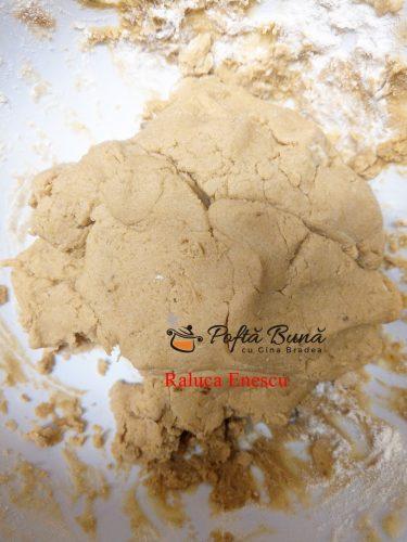 prajitura crumble cu fructe si crema de vanilie reteta pas cu pas3 375x500 - Prajitura crumble cu fructe si crema de vanilie
