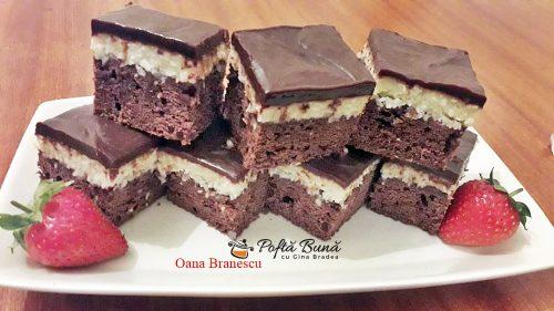 prajitura cu ciocolata si crema de cocos 5 500x281 - Prajitura Bounty cu crema de cocos, blat de cacao si glazura de ciocolata