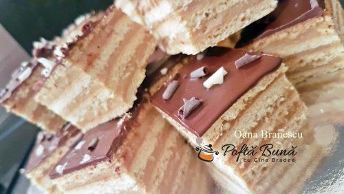 prajitura cu foi si crema de caramel reteta pas cu pas4 500x282 - Prajitură cu foi fragede, crema de caramel si ciocolata