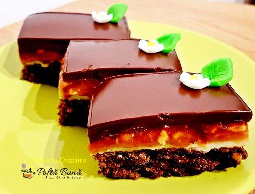 Prajitura Snickers cu alune, crema caramel si ciocolata