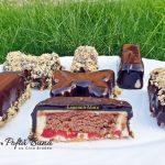 prajiturele cu mousse de ciocolata alba si jeleu de zmeura 6 150x150 - Prajiturele cu mousse de ciocolata alba si jeleu de zmeura