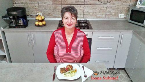 pulpe de pui tigaie si cartofi cu smantana reteta rapida1 500x282 - Pulpe de pui la tigaie si cartofi cu smantana