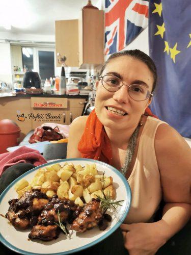 pulpe pui bere bruna stafide cartofi rumeniti reteta bunicii 1 375x500 - Pulpe de pui cu bere bruna, stafide si cartofi rumeniti, reteta de la bunica