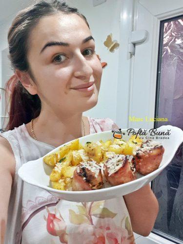 rulada din piept de pui cu bacon mustar si ierburi aromate 8 375x500 - Rulada din piept de pui cu bacon, mustar si ierburi aromate