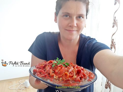 salata de ardei copti cu usturoi si patrunjel 5 500x375 - Salata de ardei copti cu usturoi si patrunjel, reteta traditionala
