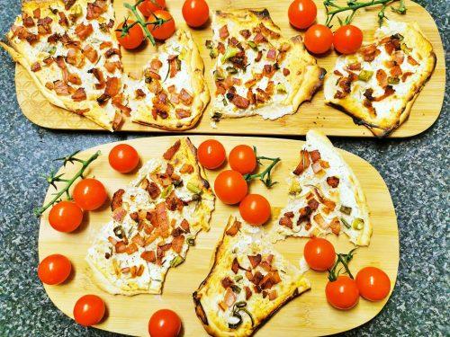 tarte flambe flammkuchen reteta alsaciana3 500x375 - Tarte flambée, flammkuchen, reteta alsaciana simpla si gustoasa