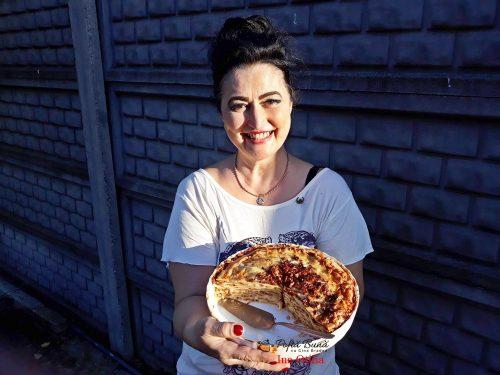 tort aperitiv de clatite cu afumatura ciuperci si cascaval 6 500x375 - Tort aperitiv de clatite cu afumatura, ciuperci si cascaval